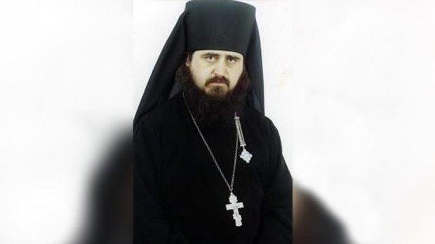 жестокий-священник